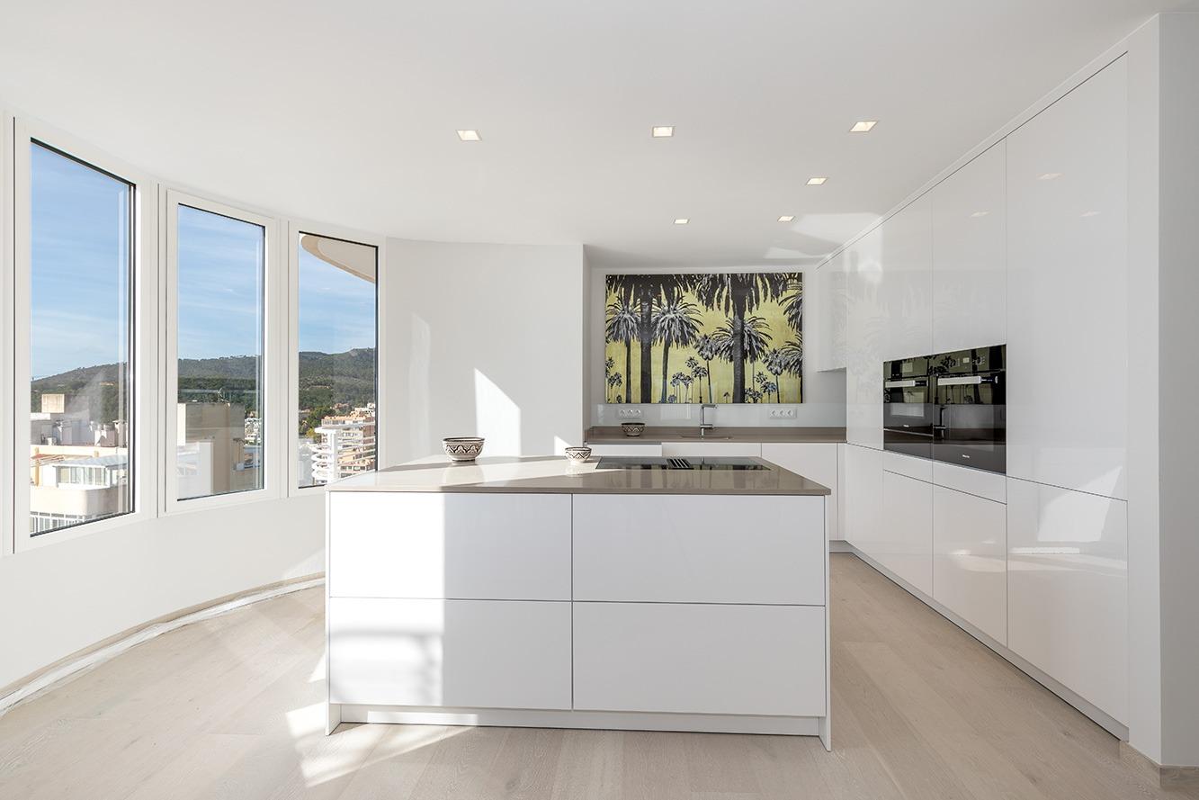 Penthouse, Cas Catala