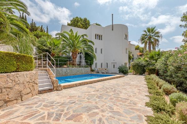 Villa mit 2 Gästeapartments und Teilmeerblick in Costa de la Calma
