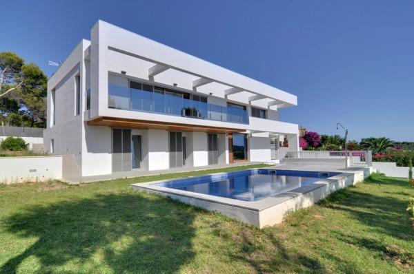 Moderne, minimalistische Meerblick Villa zur Miete in Cala Vinyas