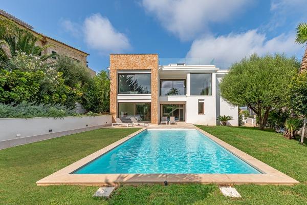 Moderne Luxusvilla mit Meerblick in Santa Ponsa